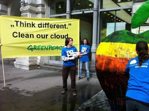 A demonstráció közben - Fotó: Greenpeace