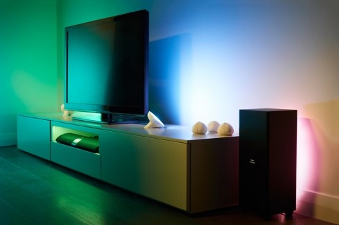 philips-hue-team-up-to-introduce-lightstrips-livingcolors-bloom-1