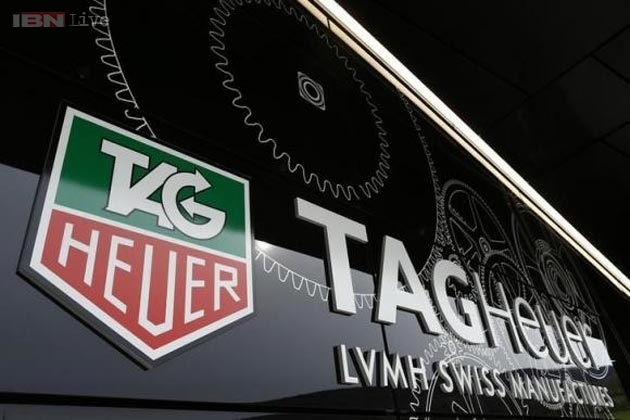 tag-heuer-smartwatch-150914