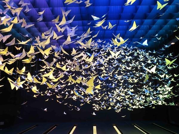 Apple iWatch Selfridges Wonder Room butterfly cloud
