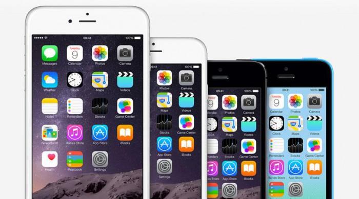 Borítókép: iPhone készülékek az iOS főképernyőjének ikonjaival.