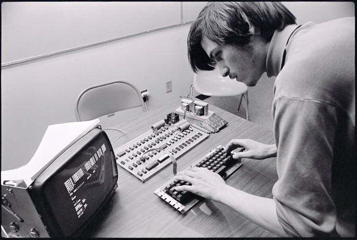 Steve-Jobs-61-Tim-Cook-tweet