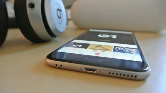 Borítókép: Állítólagos iPhone 7 render, amin alul már nincs jack-aljzat.