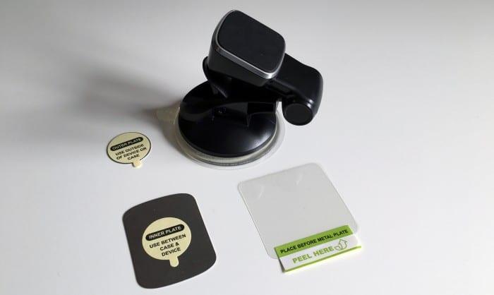 Kép: OSO Smart Touch univerzális mágneses autós tartó és tartozékai.