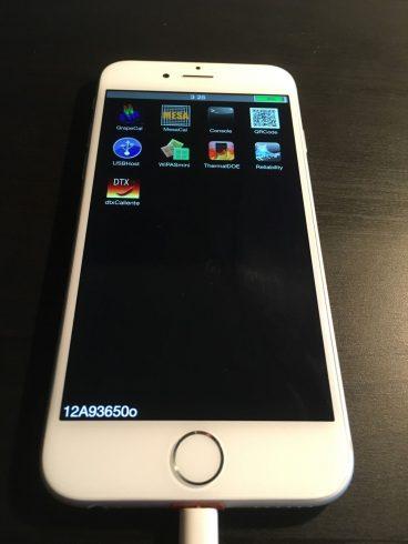 Kép: Az iPhone 6 prototípus szoftverének képernyője 9 ikonnal, ami jelentősen eltér az iOS megjelenésétől.