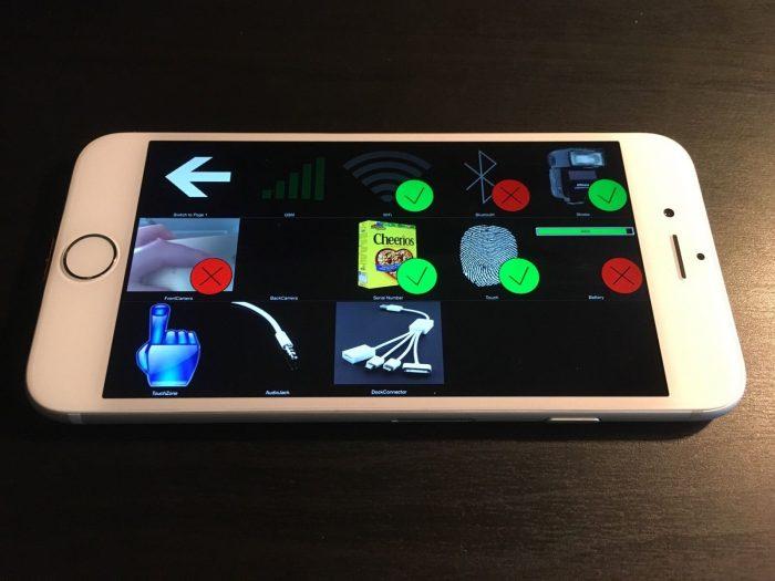 Kép: A fekvő nézetbe tett prototípus, a kijelzőn 12 elnagyolt ikonnal és egy óriási vissza nyíllal a bal felső sarokban.