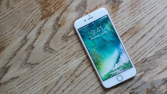 Borítókép: iPhone 6s iOS 10-zel.