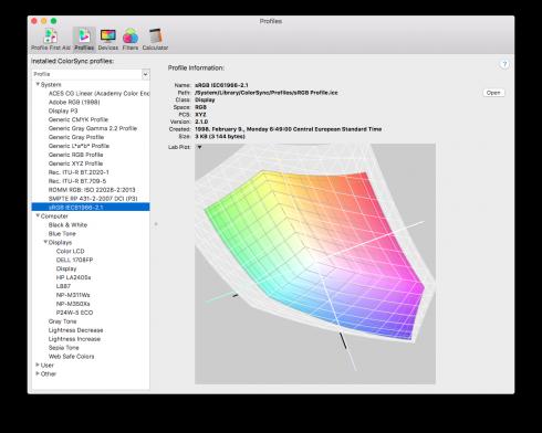 3D Display-P3 színtér (halványan), benne az sRGB (színekkel)
