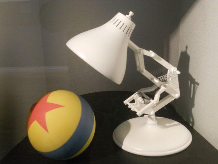 Pixar labda és lámpa