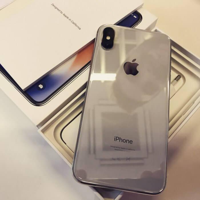 iPhone X doboz, kicsomagolás
