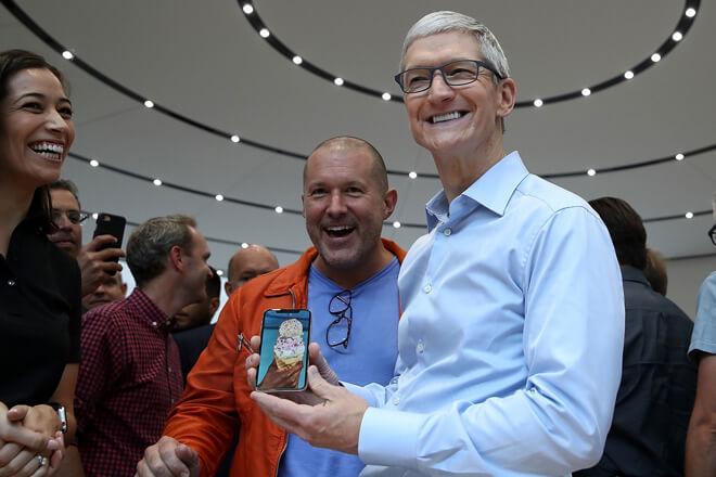 Tim Cook és az iPhone X