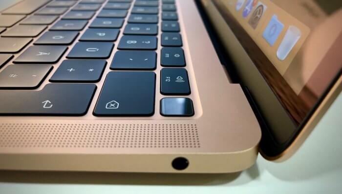 MacBook Air ujjlenyomat-olvasó
