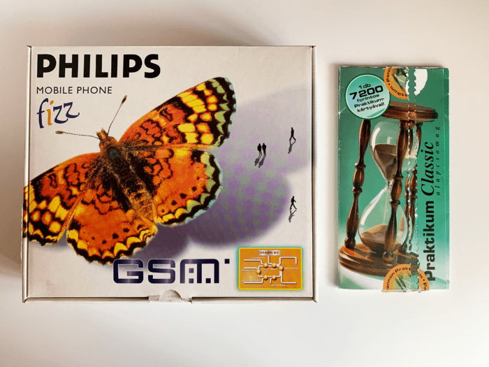 Philips Fizz készülék doboza, és Pannon Praktikum Classic SIM-kártya csomag